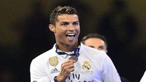 Ronaldo Butuh Waktu untuk Putuskan Masa Depan
